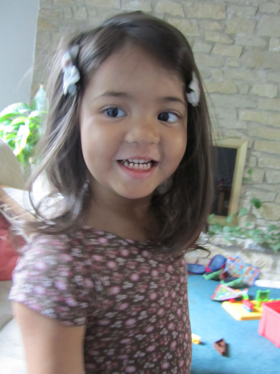 3-year-old Yaya says Hi!