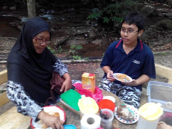 Opah sets the breakfast table