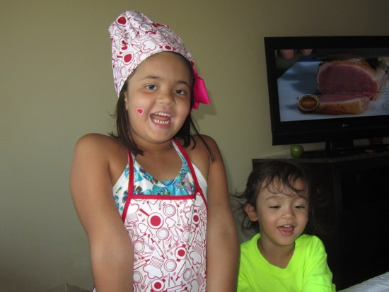 Yaya the chef and her little brother