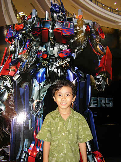Irfan meets Optimus Prime