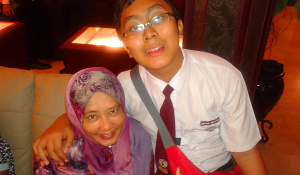 Irfan with Mom, redux