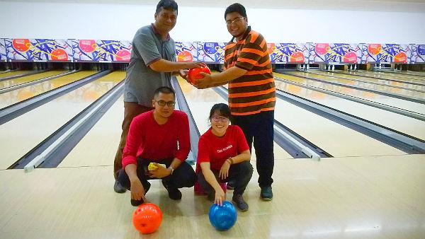 Our friendly ad hoc bowling team