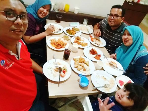 Buka puasa at Saba