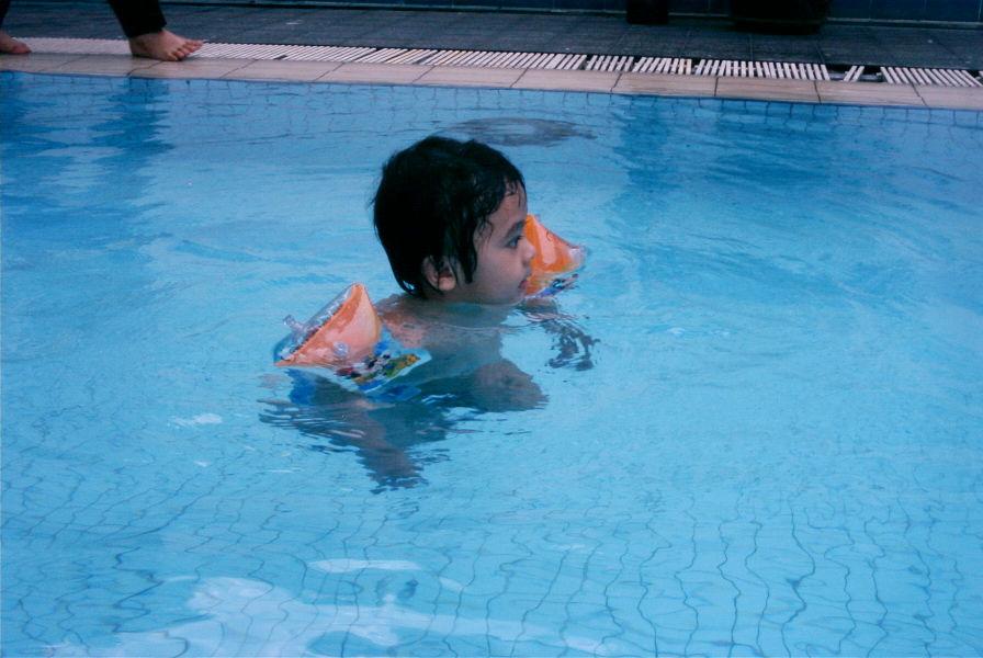 Irfan drifts away