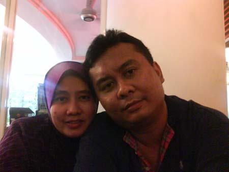 Irfan takes a photo