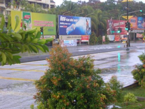 The main junction of Pandan Indah is wet
