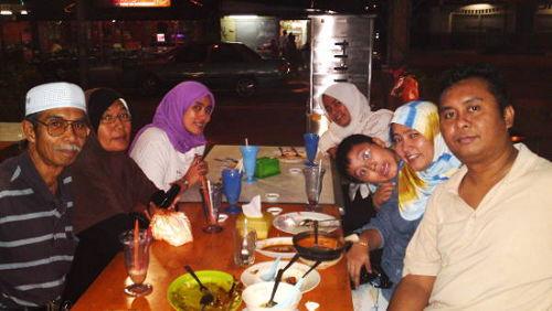 The gang at Pak Ya