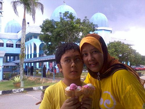 Ice cream at Gua Musang