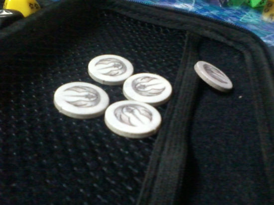 5 white coins