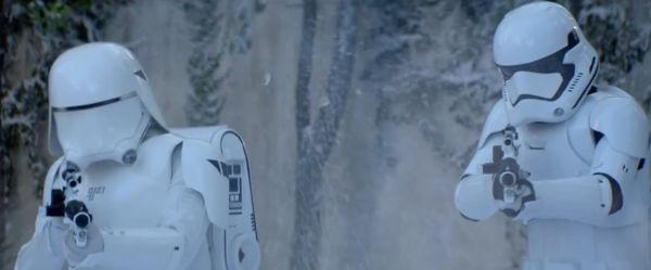 Snowtrooper advances