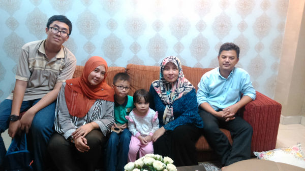 Irfan reunited with cousins Aiman and Zara