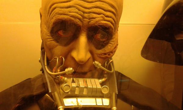 Anakin has eyebrows