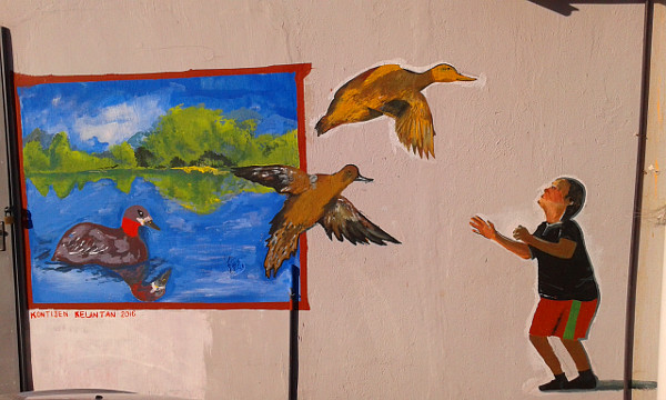 Ducks are flying out of the frame in this artwork by Kelantanese students