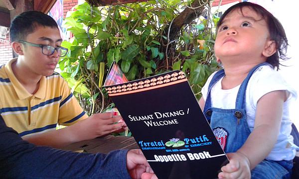 Tom Yam and Ayam Tiga Rasa and Telur Dadar