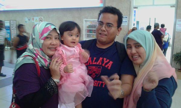 Bye Nia, Cikma and Ayah Cik Farid