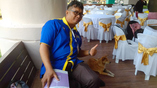 This nice dog accompanied us as we registered for the event at the university.