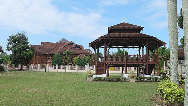 Pasir Salak Historical Centre