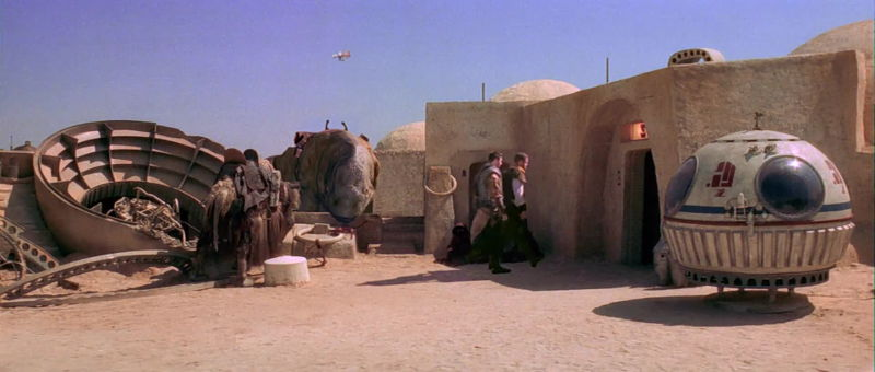 Approaching Chalmun's Cantina