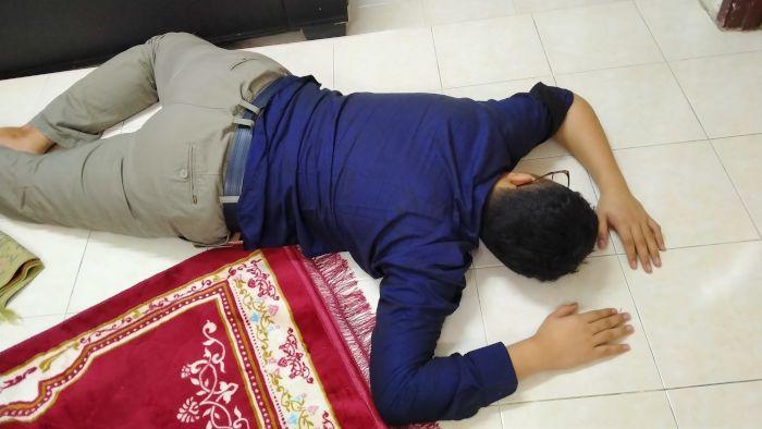 Irfan belly flops before breakfast